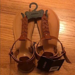 NWT Forevwe 21 Brown Thong Sandals size 8.5